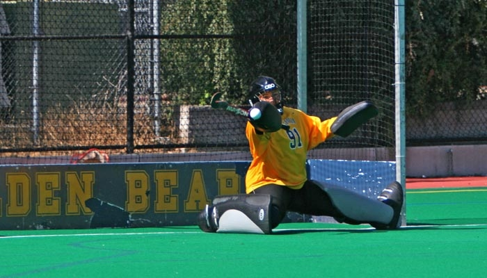 Photo: Cal keeper Kelly Knoche currently ranks seventh in the nation in goals against average (1.12) and 18th in save percentage (0.756) as the Bears embark on another East Coast road trip.