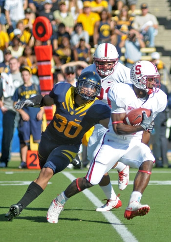 Photo: <b>Mychal Kendricks</b> has been practicing with the first- and third-team defenses as the Cal football team prepares for the 2009 season.