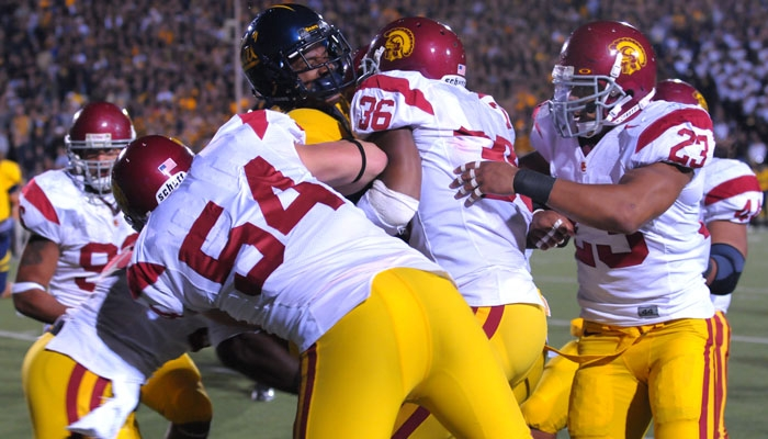 Photo: <b>Verran Tucker</b> had only one reception in Saturday's 30-3 loss to USC. Cal had 199 passing yards, while the Trojans threw for 283 yards.