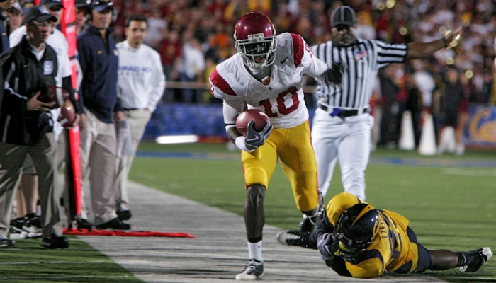 Photo: <b>Trojans wide receiver Damian Williams</b> troubled the Cal football team on Saturday, reeling in eight passes for 101 yards and returning a punt for a touchdown.