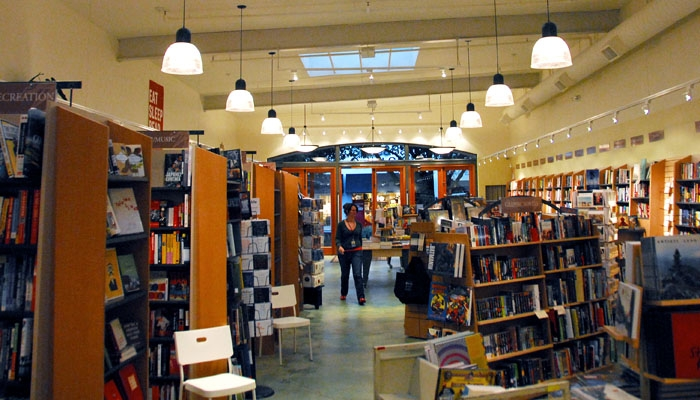 Photo: <b>Books, Inc.,<> an independent bookstore chain, opened a Berkeley branch on Fourth Street. Books, Inc. employees plan to rely on their knowledge and attentive customer service to compete with corporate and online retail.