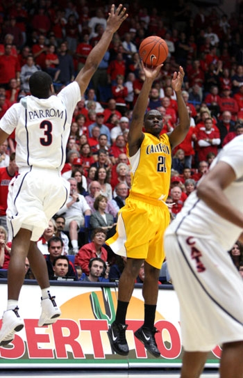 Photo: <b>Theo Robertson</b> scored a career-high 27 points in the Bears' loss to Arizona in Tucson. Cal has still never defeated both the Arizona schools on the road since joining the Pac-10.
