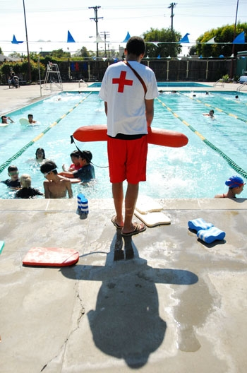 Photo: The West Campus Pool will remain open for extended hours this summer to make up for the closure of Willard Pool.