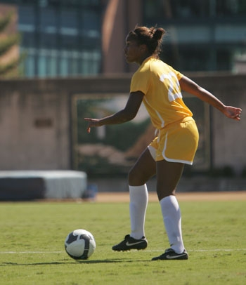Photo: Junior defender Danielle Brunache played in all 21 games for the Bears last season. She'll be pivotal this weekend as Cal hosts the California Invitational at Edwards Stadium.