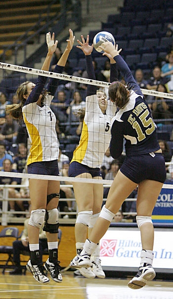 Photo: Adrienne Gehan and Shannon Hawari registered six kills each against St. Mary's on Saturday. Cal swept the Gaels to maintain its undefeated record heading into Pac-10 play.