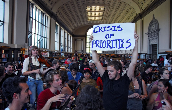 Photo: Protesters staged a sit-in within Doe Library's North Reading Room as they waited for Chancellor Birgeneau's response to their demands.