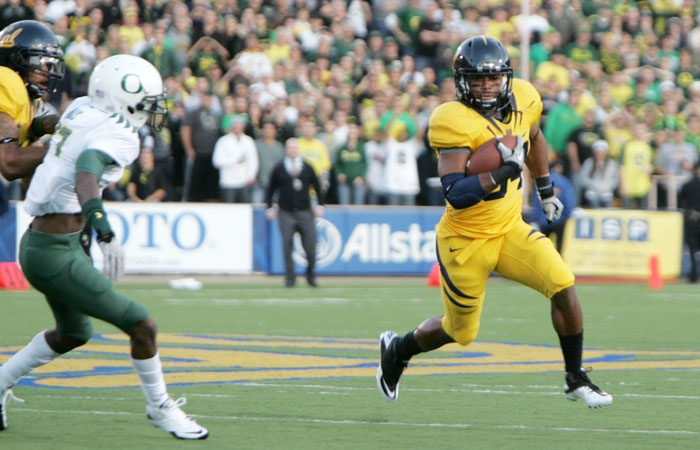 Photo: Shane Vereen rushed for 112 yards on 26 carries. He scored his 16th touchdown this season on Cal's first drive, tying Jahvid Best and Marshawn Lynch for ninth all-time in career points.