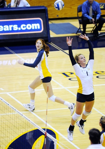 Photo: Senior setter Carli Lloyd will play in the final Big Spike of her Cal career tonight. With 10 more digs, Lloyd will be the third setter and 12th player in Cal's history to reach 1,000 digs.