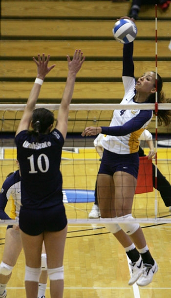 Photo: Tarah Murrey goes up for a kill in the Bears' first round win over Utah State.