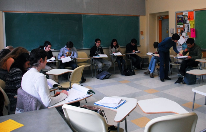 Photo: Professor Ying Yang teachers her Chinese 1B class. The campus decided to increase the number of foreign language class sections.