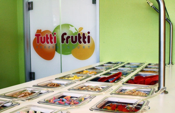 Photo: Tutti Frutti recently opened on Telegraph Avenue despite the presence of many other frozen yogurt shops in the area.