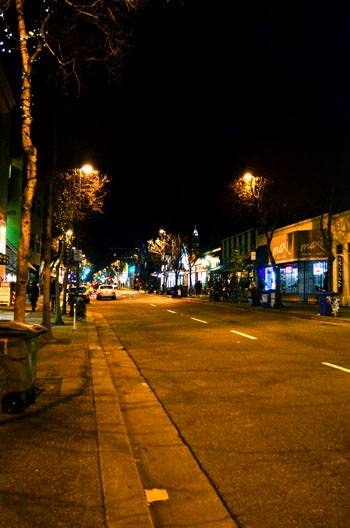 Photo: Telegraph Avenue may see brighter nights ahead if the Berkeley City Council passes a referral to increase lighting along the street, which has received numerous safety complaints.
