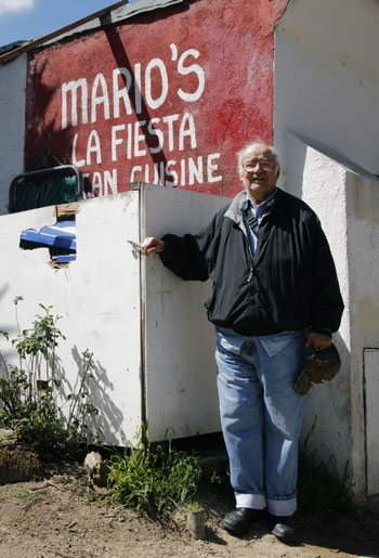 Photo: Mario Tejada, 81, is saying goodbye to the restaurant he founded in order to spend more time with his family.
