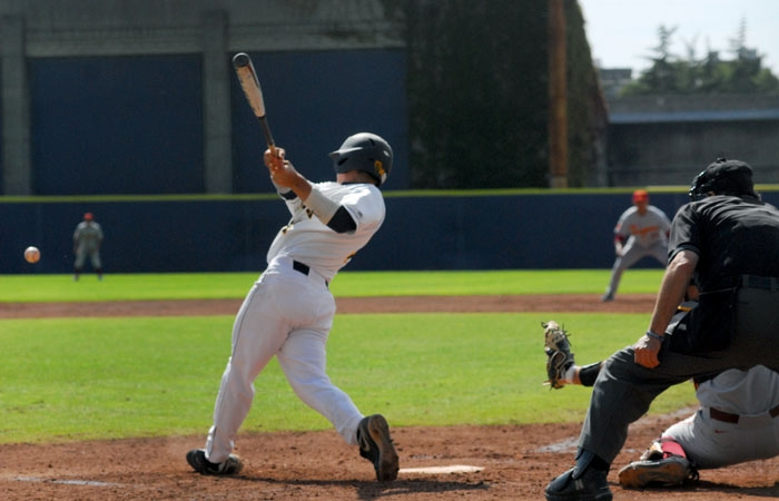 Photo: Second baseman Tony Renda went 5-for-12 at the plate with three RBI this past weekend. The sophomore's .355 batting average on the season leads the team.